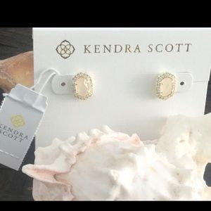 NWT KENDRA SCOTT CADE ROSE QUARTZ EARRINGS